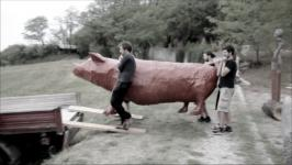 """3kolektiv (Maša Gala, Eva Kastelic, Katja Felle) - Rezervoar """"Svinja je umetnost in umetnost je svinja"""""""