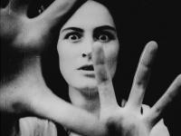 Roke vijoličnih daljav (Ruke ljubičastih daljina)